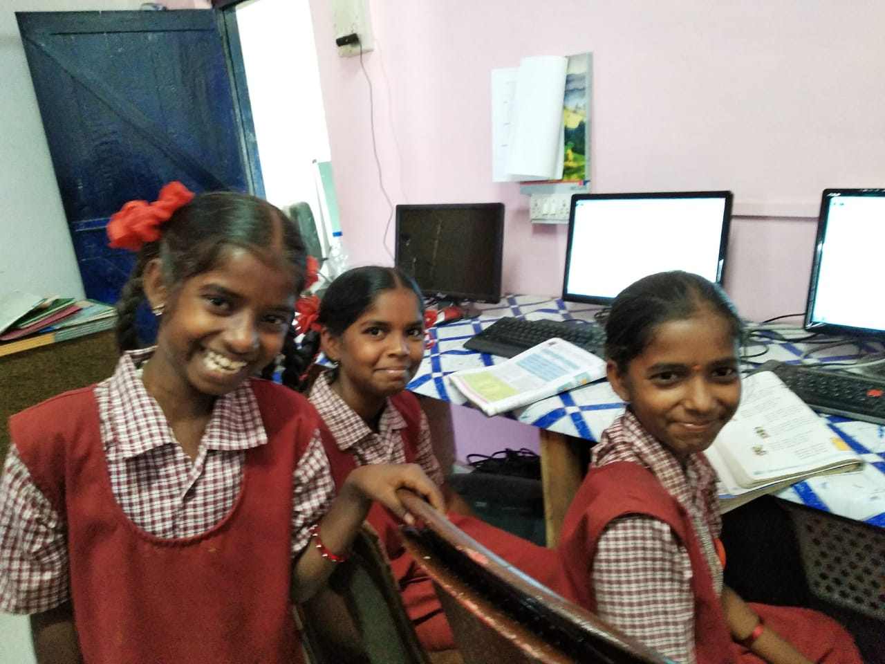 SNET COMPUTER LAB STUDENTS